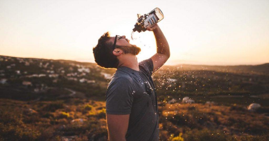 ūdens pudele dāvanai