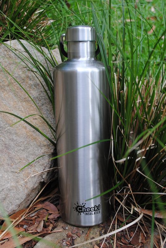 Cheeki ūdens pudeles