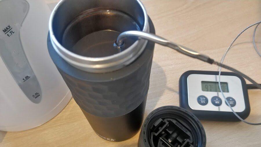 Kambukka Etna termokrūzes temperatūras tests