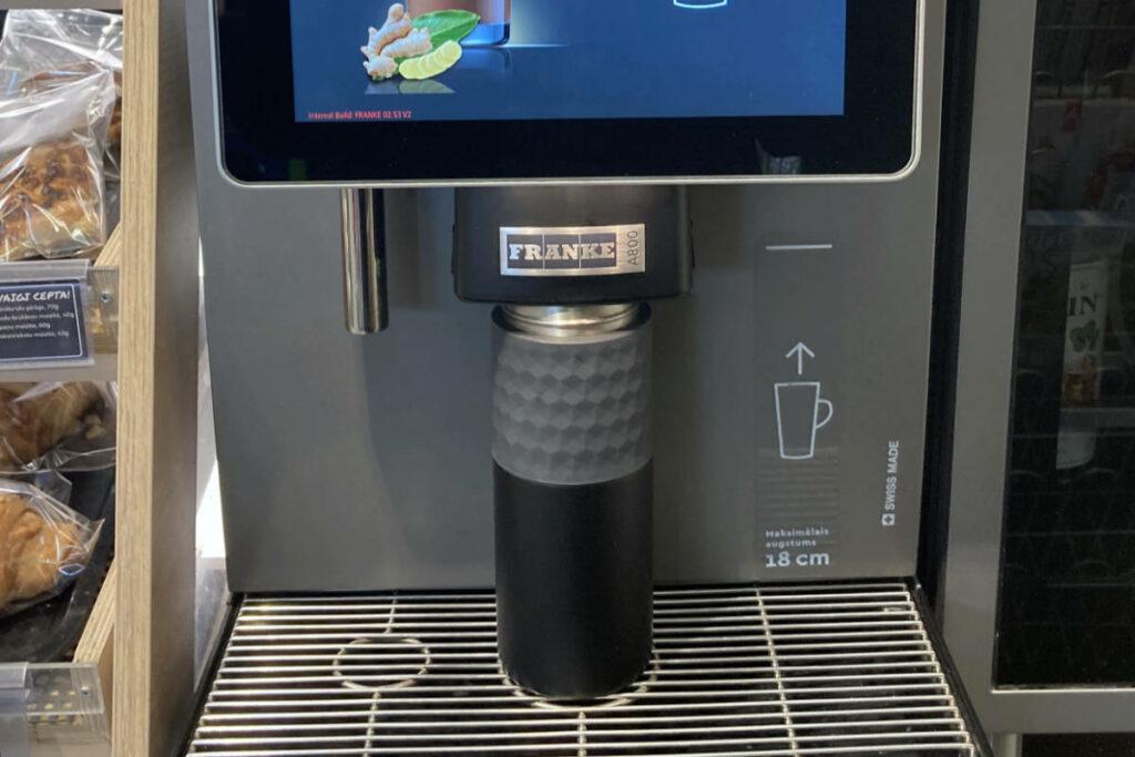Kambukka Etna 500ml ielien Narvesen kafijas automātā