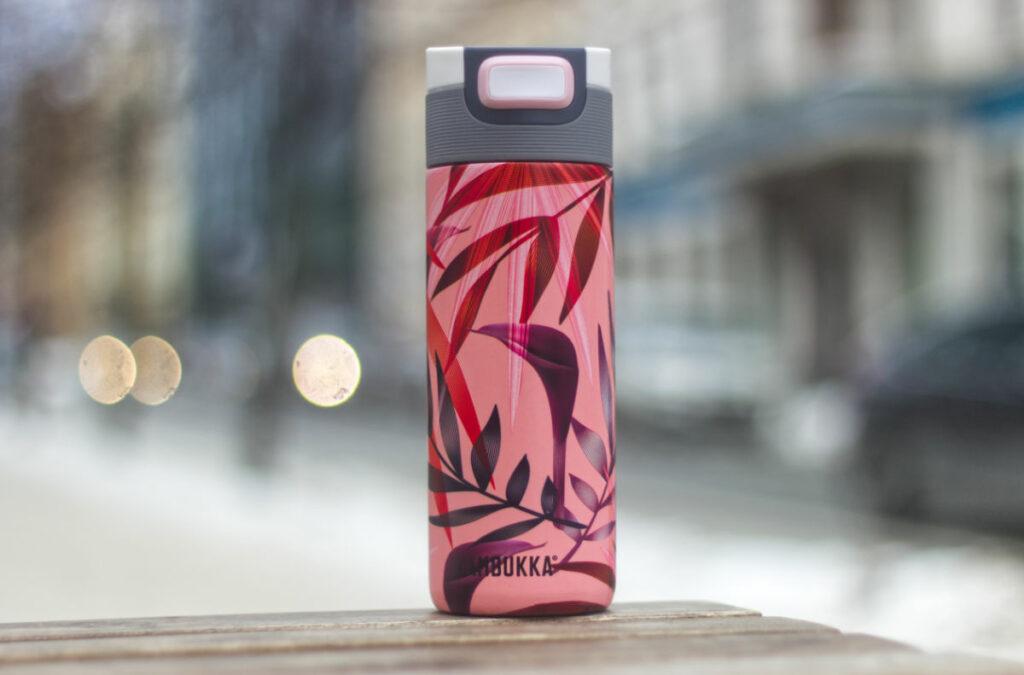 Kambukka Etna Trumpet Flower stilīga termokrūze ar grafisko dizainu